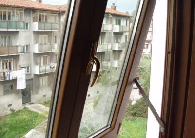 verandina con serramenti a doppia apertura per abitazione privata Trieste