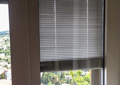 Serramenti in alluminio a taglio termico con tendine alla veneziana